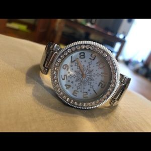 Jewelry - Women's holiday snowflake watch